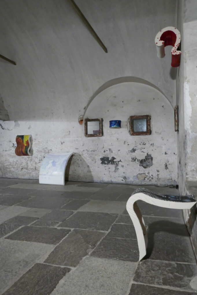 Kulturgeschichte der Farben, 2020, 8 objects, oil on canvas